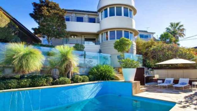 Tim Minchin lists Coogee purchase for rent