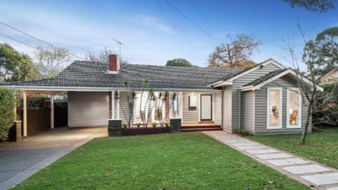 House Rules Carolyn Burns-McCrave didn't find Mitcham auction buyer