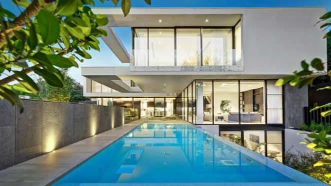 Toorak mansion resold at $16 million to the $19 million underbidders