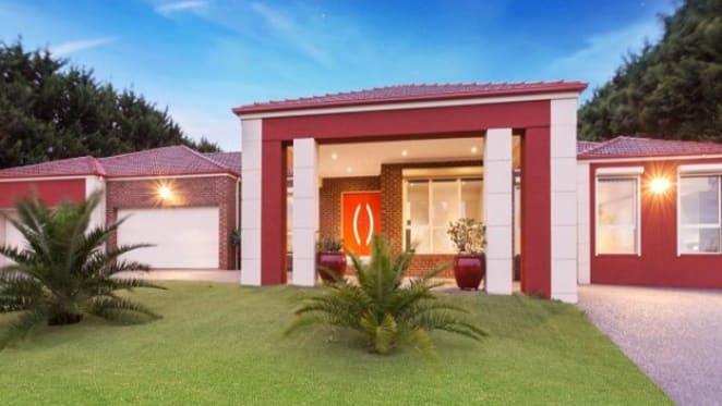 LJ Hooker Glen Waverley agent's homes passed in at Narre Warren auction
