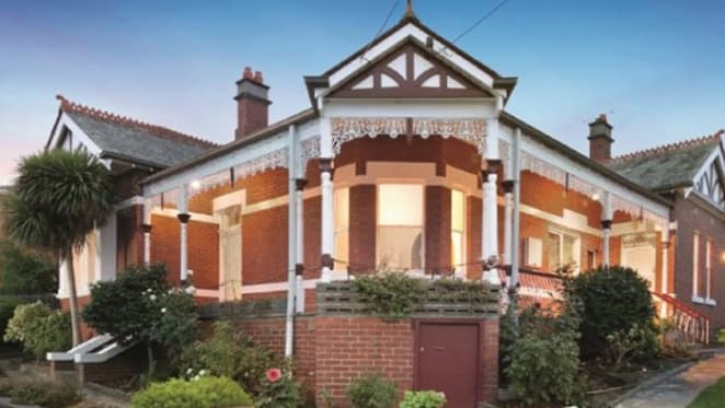 Trophy home at Northcote hosts Garden party to encourage sale