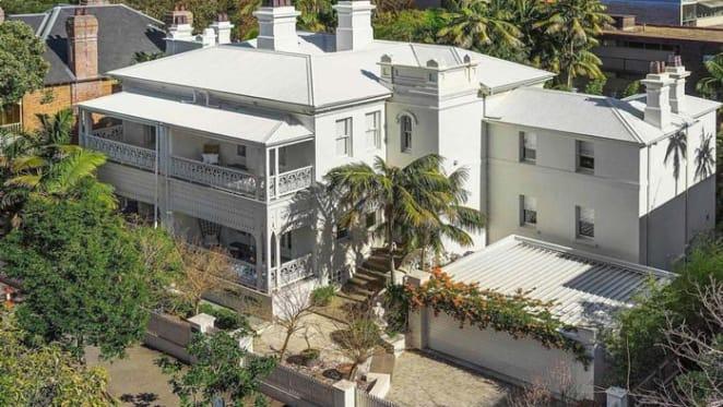 Elizabeth Bay's Oakburn bought by Julian and Lizanne Knights