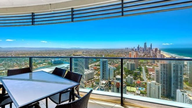 Oracle, Gold Coast trophy apartment listed