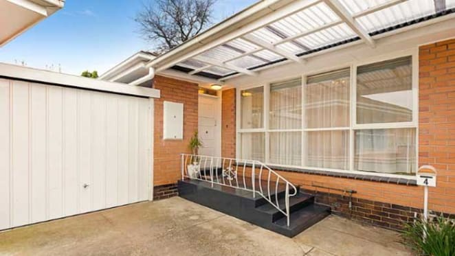 Elsternwick weekend auctions offer no clue to The Block relocated home pricing