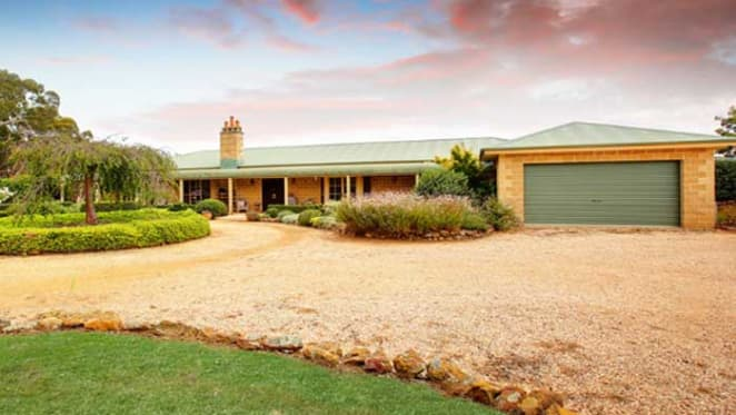 Corporate high-flyers sale in Southern Highlands