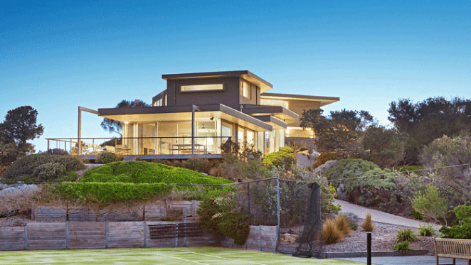 Home built by Country Road pioneer Jane Parker lists in Blairgowrie