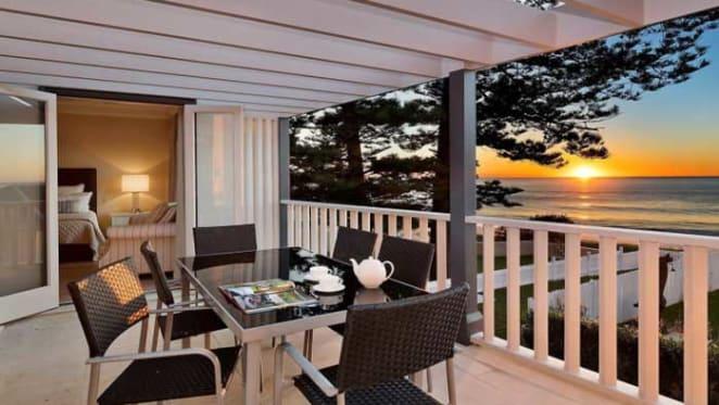Beachfront Collaroy home returns to market