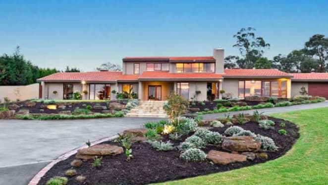 Tim Cahill buys in Melbourne