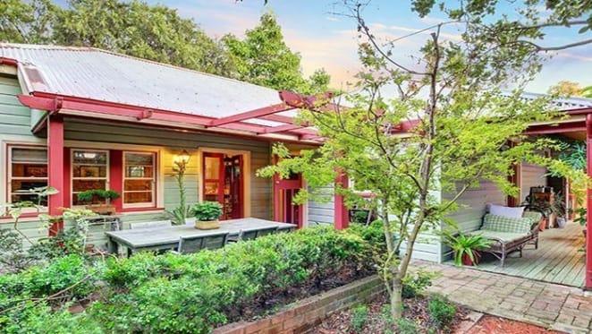 Former presenter on Gardening Australia sells Putney home