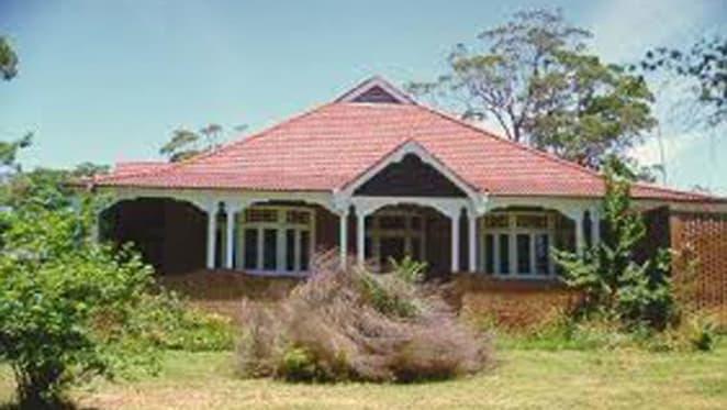 Peter Garrett lists Mittagong, Southern Highlands cottage