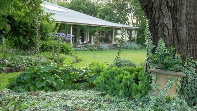 David Murray buys bluestone Upper Hunter homestead farm from the Bettinghams