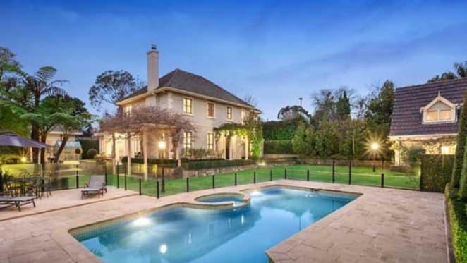 Strong offer made for Toorak mansion Sark