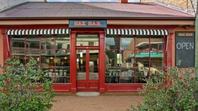 Colonial retail offering at Maitland for $550,000