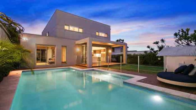 Celebrity personal trainer Shannan Ponton buys in North Curl Curl