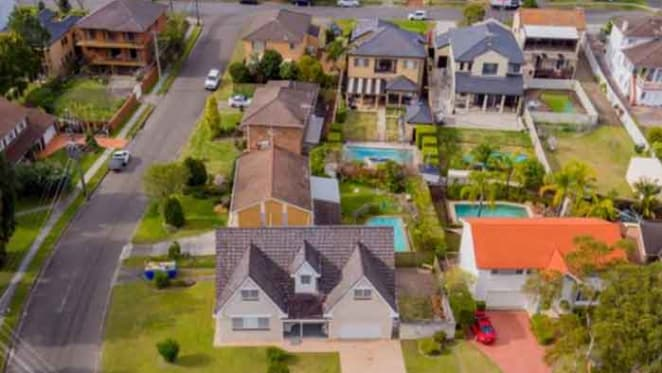 Glenn Stevens' Sylvania Waters neighbour to provide market insights