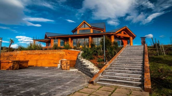 Tassie trophy home with helipad
