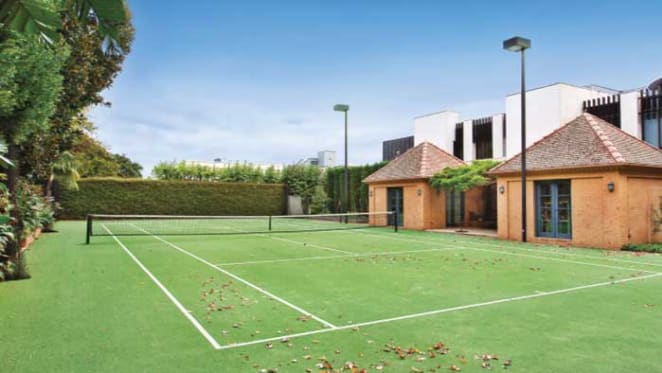 Melbourne tops auctions again with $7.8 million Toorak tennis court sale