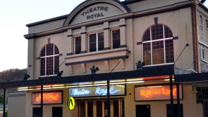 Lithgow's 1920's Theatre Royal listed