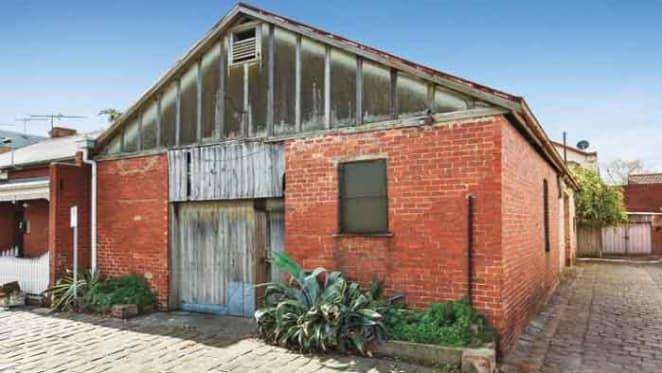 Blank canvas Albert Park auction listing attracted keen buyer interest