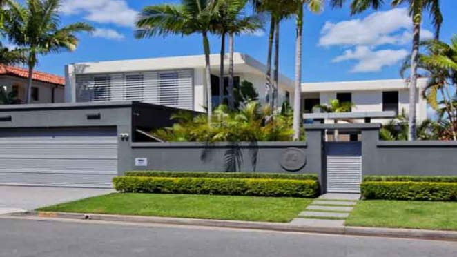 Gold Coast Titans director Darryl Kelly lists in Paradise Waters
