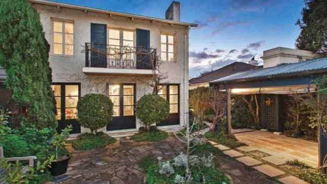 Toorak trophy home set for auction