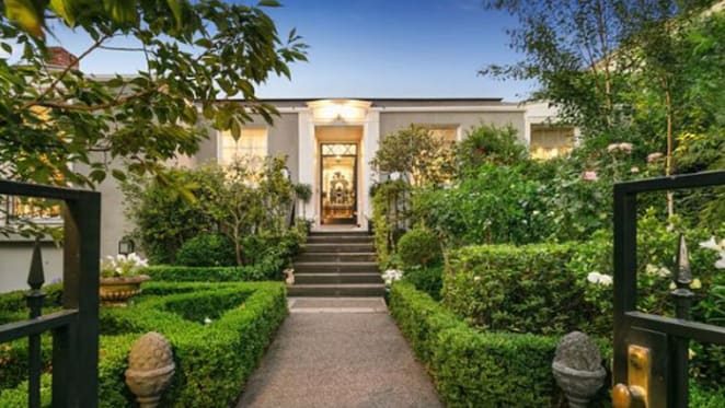 Toorak home of the late Lady Susan Renouf for sale