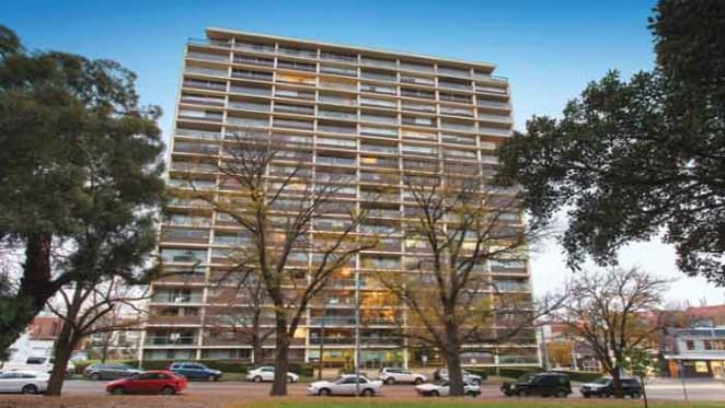 Robin Boyd, South Yarra apartment passed in after just one bid