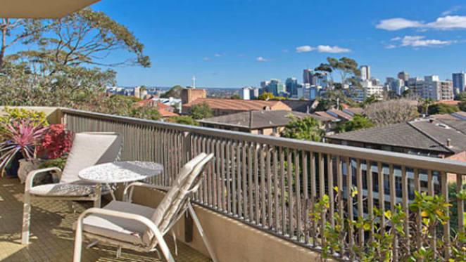 Stuart Wagstaff's Neutral Bay apartment sells