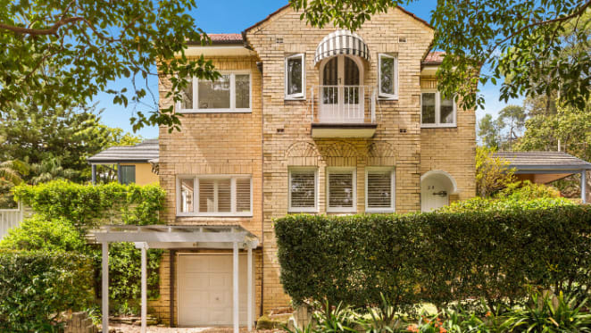 1970s home of soapie star Abigail listed in Mosman