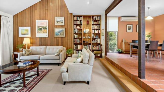 Beecroft bushland offering with Sydney School design