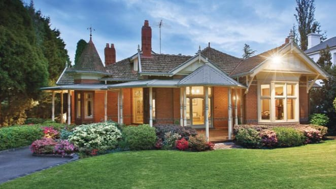 1896 Kew trophy home, Kenilworth listed for sale