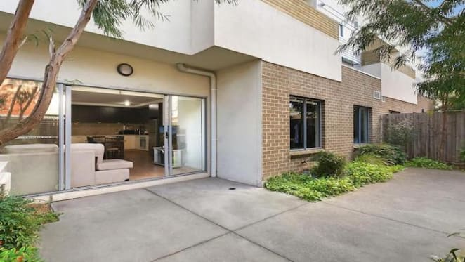 Two bedroom Footscray apartment sold for $455,000 - and small loss
