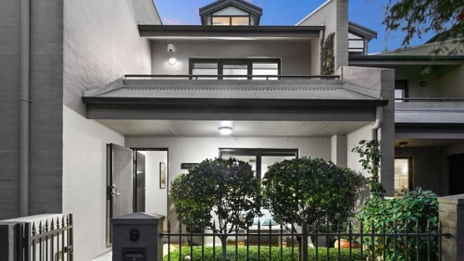 School holidays impact otherwise strong auction weekend