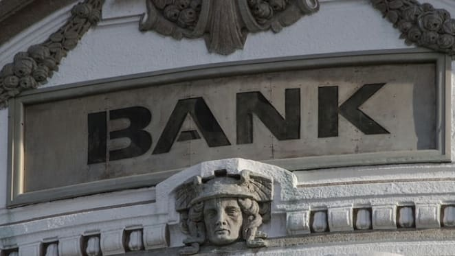 Economists' poll says we can fix the banks, but that doesn't mean we will