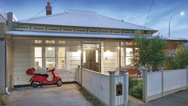 Mercedez-Benz boss sells designer Port Melbourne renovation