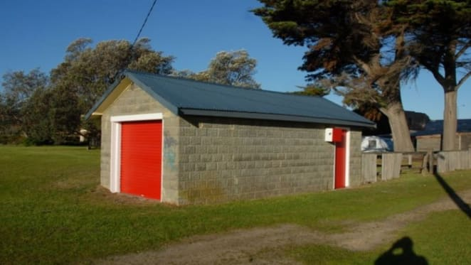 Rosebud bathing box fails to sell at Easter auction