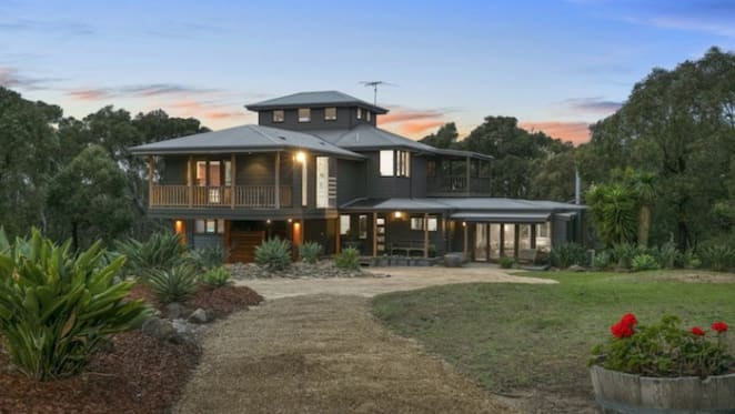 After one year TV presenter Nicky Buckley offloads Surf Coast retreat