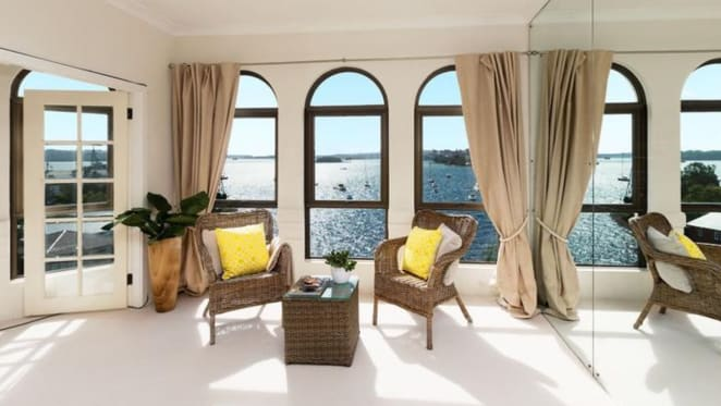 London-based expat sells two adjoining Elizabeth Bay waterfront apartments for $5.5 million