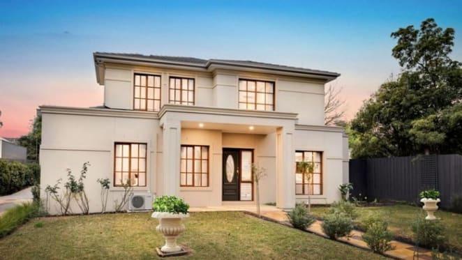 Near new Blackburn, Victoria mortgagee home sold for $200,000 loss