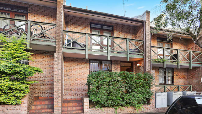 BrickX offers $95 'brick' for townhouse in Sydney's Surry Hills