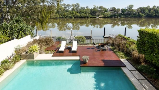 Yeronga trophy home fronting the Brisbane River listed