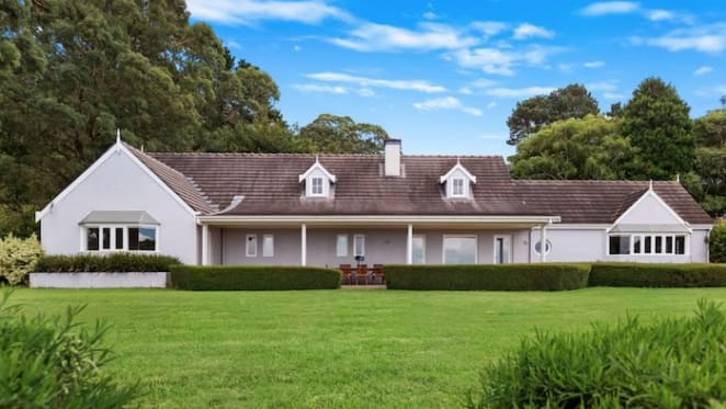 Queen of comedy Noelene Brown sells in South Highlands