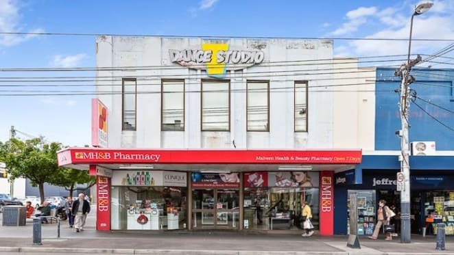 Commonwealth Bank leases space in Melbourne's busy Glenferrie Road shopping strip