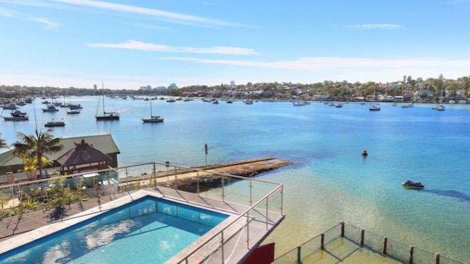 Sydney auction success rate moves into the 70s