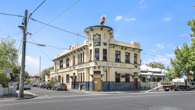 Historic Abbotsford hotel, The Retreat listed
