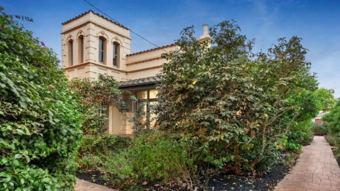 Subdued election weekend auction offerings see Bronte and Camberwell vie for top spot