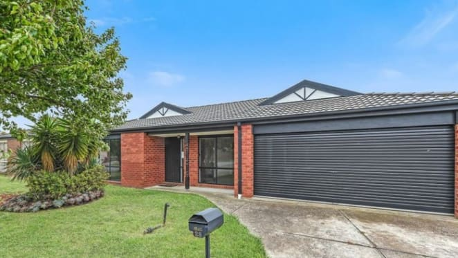 Cranbourne West, Victoria mortgagee home sold at auction