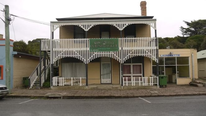 Lodge in Tasmania's Currie changes hands for $280,000