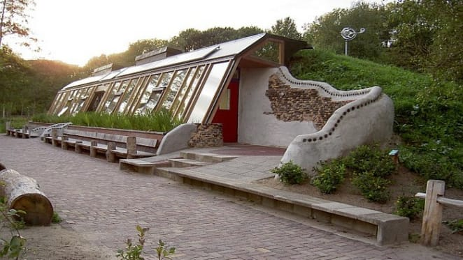 What are Earthships and how can they help with bushfire rebuilding?
