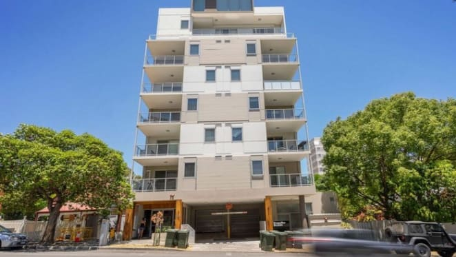 East Perth apartment in VIBE complex listed at $95,000 reduction by mortgagee